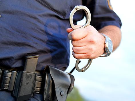 Sexuelle Nötigung Lauterach Polizei Festnahme Themenbild