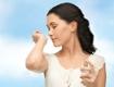 Frau riechen Parfum Duft
