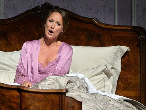 "Anett Fritsch als ""La Contessa Almaviva"" bei den Salzburger Festspielen 2015."