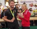 Zajac und Frank mit ihren Medaillen