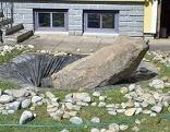 Stein fiel auf Mann bei einem Arbeitsunfall