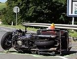 Verunglücktes Motorrad nach dem Unfall