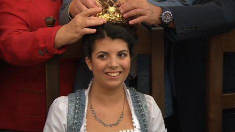 Die Weinkönigin wird gekrönt