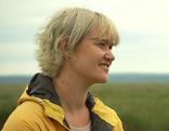Katharina Kamleiter besucht mit Nationalpark-Mitarbeiter die weißen Eseln