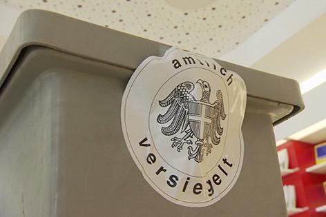 Wahl Leopoldstadt Wahlzettel Urne