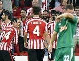 Bilbao-Spieler jubeln über das Tor zum 1:0
