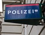Schild einer Polizeistation