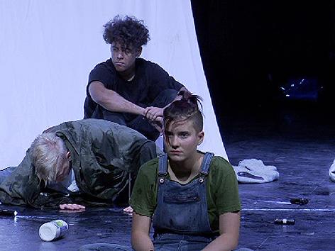 Theater am Ortweinplatz Krieg