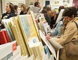 Kunden bei Kunstsupermarkt