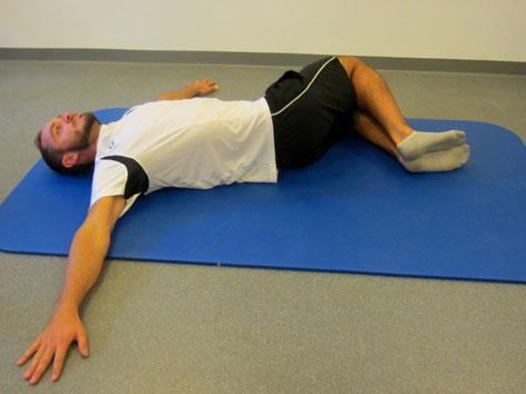 Scheibenwischer-Rückenübung