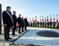 Hollande am Roma-Memorial in Montreuil-Bellay