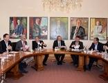 Sitzung im Sitzungssaal der Salzburger Landesregierung