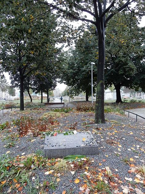 Gedenkstein auf Areal des ehemaligen Aspangbahnhofs