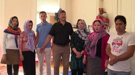 Bewohnerinnen und Bewohner des Hilfswerk-Flüchtlingshauses
