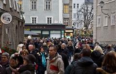 Tausende Besucher am ersten Adventsamstag in der Salzburger Altstadt