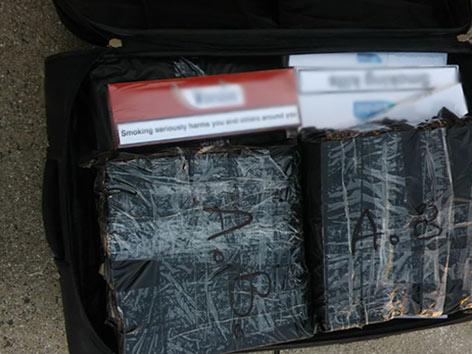 Zigaretten Rumänische Reisebusse Zoll Schmuggel