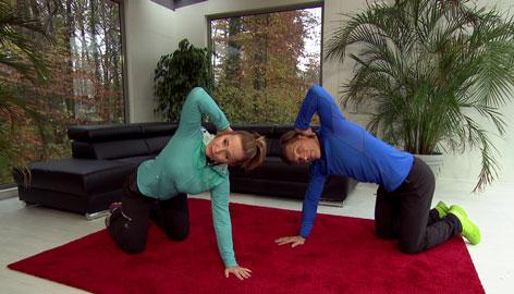 Doresia Krings und Michael Mayrhofer kräftigen den Rücken