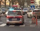 Kreuzung Franz-Josefs-Kai Haus der Natur Salzburger Innenstadt Altstadt Polizei Blaulicht Verbot