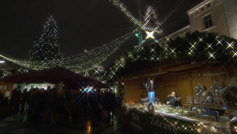 Slowakischer Christbaum am St. Pöltner Adventmarkt