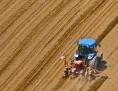 Polovinu zemědělské půdy v pohraničí vlastní Rakušané