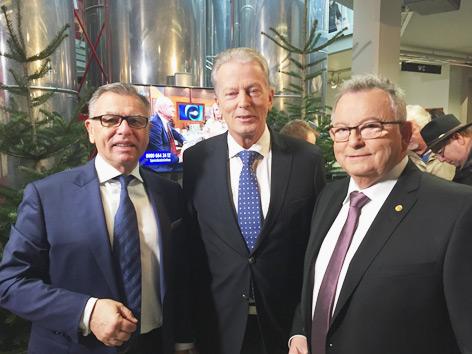 Vl.: Programchef Reinhard Waldenberger, Vizekanzler Reinhold Mitterlehner, Friedenslicht-Projektleiter Günther Hartl