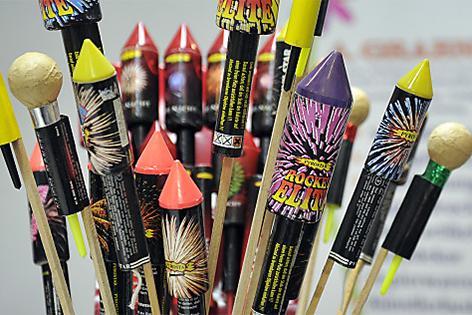 Feuerwerk Raketen Böller Kracher