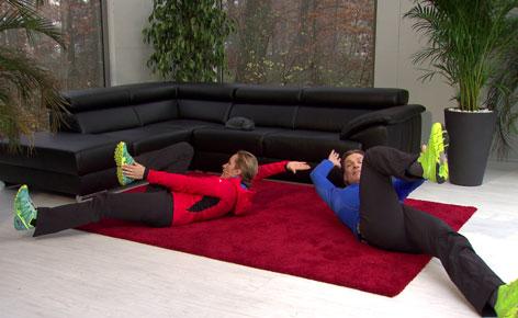 Doresia Krings und Michael Mayrhofer - Bauchmuskelübung zur Wirbelsäulenstabilisierung