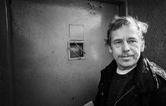 Václav Havel v ruzyňské věznici v roce 1990