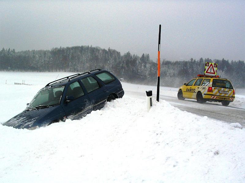 Blitzeis macht Autofahrern zu schaffen