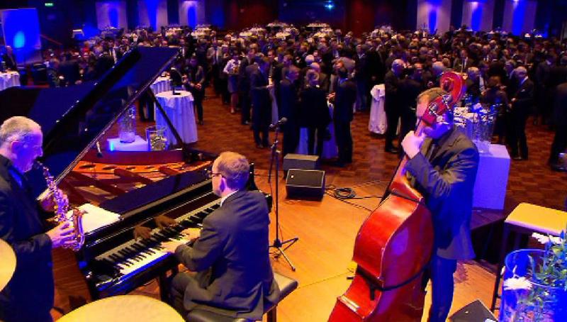 Festsaal mit Musikern