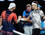 Melzer gratuliert Federer nach dem Match