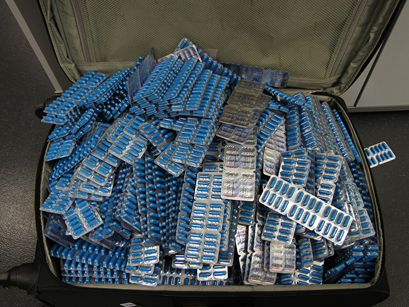 Koffer mit Tabletten