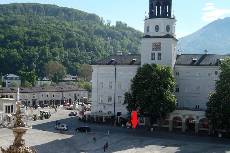 Neue Residenz und Glockenspielturm am Residenzplatz in der Salzburger Altstadt