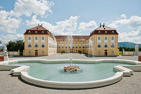 Schloss Hof Neptunbrunnen