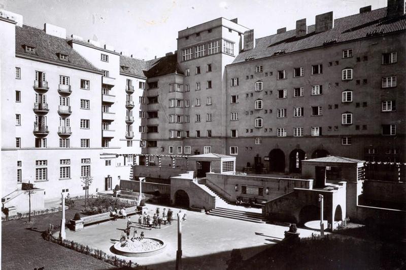 Gemeindebau Herweghof