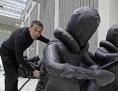 Aj Wej Wej při sestavování pražského díla