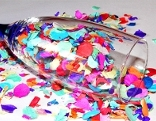 Sektglas mit Confetti