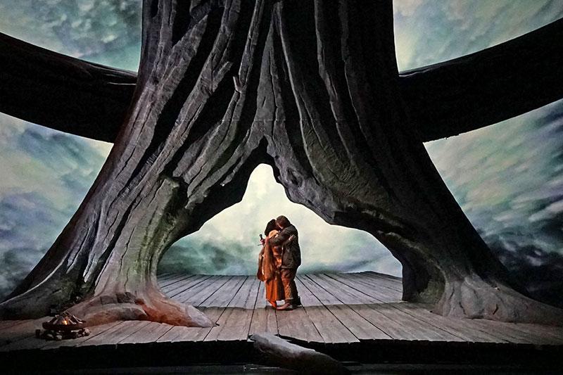 """Bühnenbild aus 1967 von der """"Walküre"""" bei den Osterfestspielen 2017"""