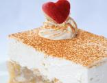 Apfelsaft-Pudding-Torte mit Zimtsahne