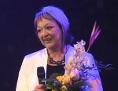 Eva Danišová při přebírání Ceny Mileny Hübschmannové