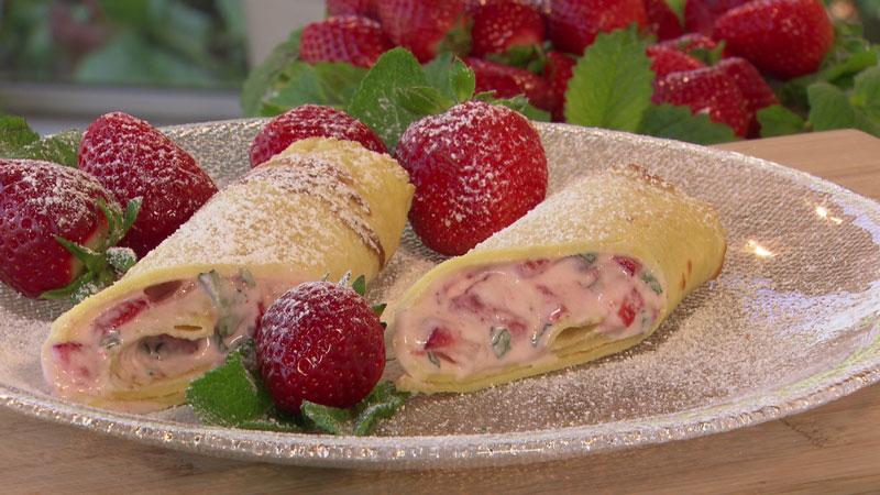 Erdbeer-Sauerrahm-Palatschinken