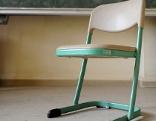 Klassenzimmer Schule Sessel Tafel