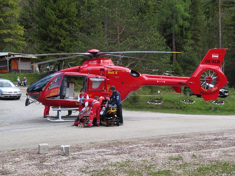 Rettungshubschrauber nach Tauchunfall am Achensee