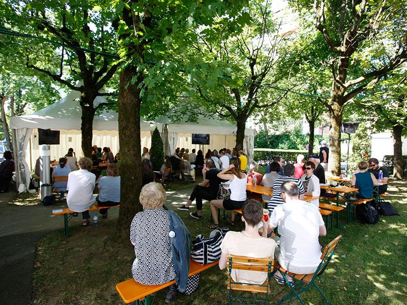 Funkhauspark Zuschauer Bachmannpreis Garten