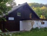 Das Gebäude der ehemaligen Sauna im Volksgarten in der Stadt Salzburg