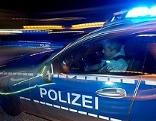 Fahrerflucht, deutsches Polizeiauto