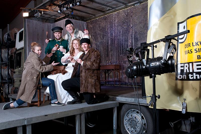 Lastkrafttheater - Regie: Nicole Fendesack, Darsteller: David Czifer, Jörg Stelling, Sandra Pascal, Max Mayerhofer