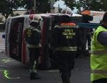 Umgestürztes Rettungsauto