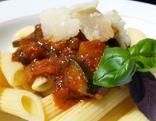 Suti kocht Sportlernudeln mit Gemüse-Tomaten-Sauce