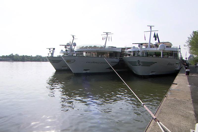 Kreuzfahrtschiffe am Wiener Kai